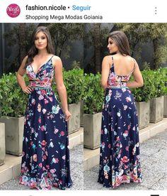 Sexy Outfits, Dress Outfits, Fashion Dresses, Iranian Women Fashion, Modelos Fashion, Elegant Dresses, Beautiful Outfits, Designer Dresses, Boho Fashion