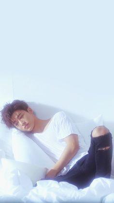 Hanbin Wallpaper What you doing Cr: lockscreen Winner Ikon, Ikon Member, Kim Jinhwan, Ikon Kpop, Ikon Wallpaper, Double B, Kdrama Actors, Yg Entertainment, One And Only