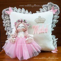 Freesia Angel Winged Baby Girl – Cojín para joyas y adornos Cute Cushions, Diy Pillows, Decorative Pillows, Felt Crafts, Diy And Crafts, Diy For Kids, Crafts For Kids, Baby Angel Wings, Baby Doll Bed