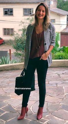 Bota de Cano Curto: 25 Ideias de Looks para Usar Com Esse Calçado! Office Fashion, Work Fashion, Smart Casual, Casual Chic, Look Blazer, Outfit Look, Work Looks, Business Casual, Queen