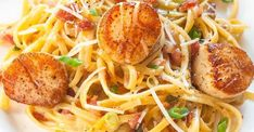 Carbonara with Pan Seared Scallops is one of my favourite recipes! Ready in under 30 minutes with perfectly seared scallops and delicious carbonara pasta Fish Recipes, Seafood Recipes, Great Recipes, Cooking Recipes, Cooking Games, Cooking Food, Cooking Tips, Holiday Recipes, Dinner Recipes