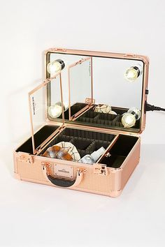 Christmas presents for her illuminated vanity travel case ideas 2017 Ruby Rose, Rose Gold, Christmas Presents For Her, Lighted Vanity Mirror, Mirrors, Dimmable Led Lights, Style Deco, Fringe Purse, Free People Store