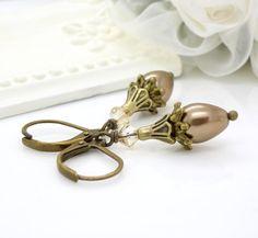 Light champagne pearl earrings, Antique bronze, light brown beige neutral pearl drop earrings, vintage style pearl beaded jewelry