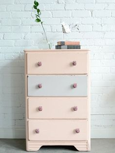 96 Cute and Minimalist Pink Kids Bedroom Decoration Ideas - Decoralink Painted Furniture, Diy Furniture, Kids Bedroom, Bedroom Decor, Sweet Home, Desk Layout, Pink Kids, Home And Deco, Antique Furniture