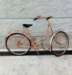 All I ever wanted was a rose gold bike. Check out some rose gold jewelry to match your ride! Objets Antiques, Gold Everything, Velo Vintage, Copper Rose, Bling Bling, Things I Want, Cool Stuff, My Love, Pretty