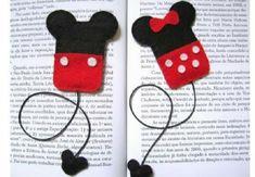 The Craft Junkie DIY: Felt Mickey and Minnie Mouse bookmarks Felt Diy, Felt Crafts, Diy And Crafts, Crafts For Kids, Cute Bookmarks, Crochet Bookmarks, Disney Diy, Disney Crafts, Sewing Crafts