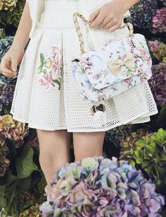 MONNALISA CHIC Spring Summer 2017 #Monnalisa #fashion #kids #childrenswear #newcollection #girl #style #summer #hairband #bag #ceremony #flowers