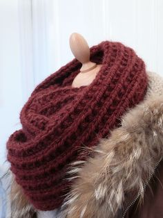 Ein Maxi Snood für den Winter # 2 - Bee made - DIY Stricken Loom Knitting, Knitting Patterns, Hat Patterns, Homemade Scarves, Big Wool, Loop Scarf, Knitting Accessories, Diy Crochet, Knitting Projects