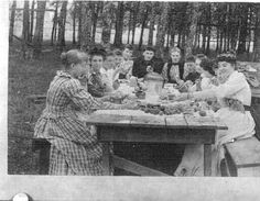 Group of women at picnic at Oregon State Fairgrounds in Salem, Oregon, 1894 :: Ben Maxwell Collection
