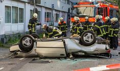 A 88-year-old man died on Wednesday after falling from a storey parking lot in Hamburg.A Saab had breached a concrete wall 20 meters high and landed on the...