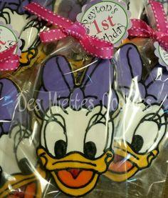 Daisy Duck Cookie Favors  www.desmiettescookies.com