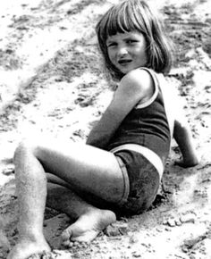 Princess Diana as a child, rarely published photo. Enjoy RushWorld boards, DIANA PRINCESS OF WALES EXTENSIVE ARCHIVE, UNPREDICTABLE WOMEN HAUTE COUTURE and MOOD BUSTERS. See you at RushWorld on Pinterest! We're supportive and funny and we bring fresh content to your face every day!