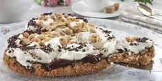 Her har du nok en deilig variant av den populære snickerskaken. Pudding Desserts, Bread And Pastries, Tiramisu, Sweet Treats, Food Porn, Food And Drink, Cooking Recipes, Favorite Recipes, Snacks