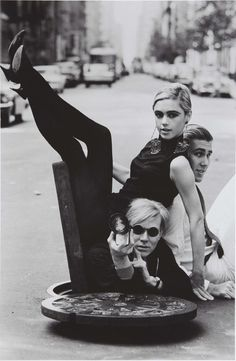 Andy Warhol, Edie Sedgwick and Chuck Wein by Burt Glinn. New York, 1965.-