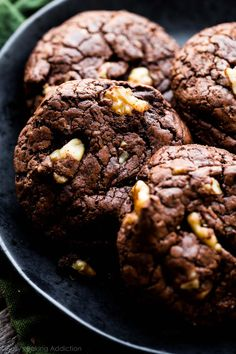 Super fudgy thick chewy and rich brownie cookies with big chunks of chocolate Brownie Cookies, Chocolate Chunk Cookies, Chocolate Flavors, Chocolate Cake, Baby Food Recipes, Sweet Recipes, Cookie Recipes, Bar Recipes, Recipies