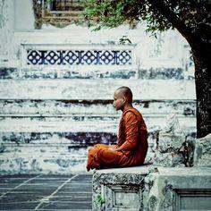 Meditating Buddhist monk / Bangkok Temple - Thailand ~