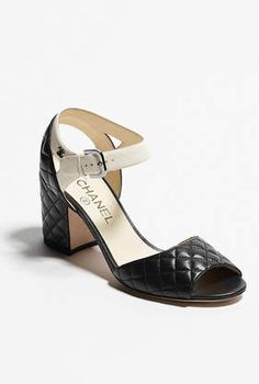 0aea67405a73 CHANEL Mode - Chaussures
