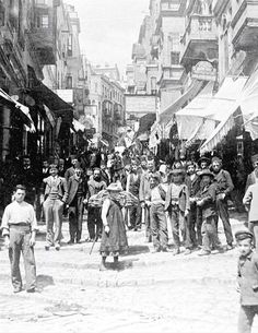 in Galata, a grade of 100 steps, Constantinople. Old Pictures, Old Photos, Istanbul Pictures, Turkey History, Ottoman Turks, Baghdad, Historical Pictures, Istanbul Turkey, Vintage Photographs