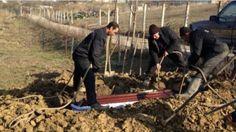 Reguli noi privind înmormântarea românilor. Se schimba totul. Iată ce nu mai este voie să se facă și ce amenzi se vor da