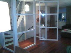 ombouw voor trappen gat, men maakt hier een overloop, voorzien van een taatsdeur
