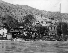 1905 Photograph of flooding of the San Francisco River in Clifton (Ariz.)