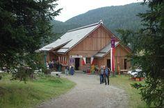 Willkommen im Schützenhaus am Prebersee! Cabin, House Styles, Home Decor, Destinations, Viajes, House, Decoration Home, Room Decor, Cabins