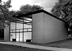 10 of Chicago's lesser-known architectural gems: Robert Carr Memorial Chapel of St Savior, 1952, by Mies van der Rohe. Image courtesy of Mies van der Rohe Society and Illinois Institute of Technology.