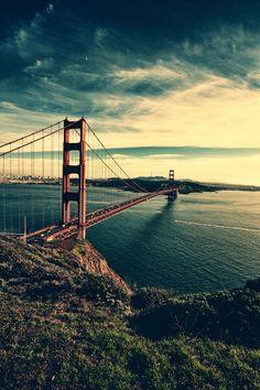 Independiente de la técnica fotográfica, el puente de San Francisco es majestuoso por donde se le mire.