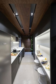 Interior Ceiling Design, False Ceiling Design, Interior Lighting, Luxury Kitchens, Cool Kitchens, Kitchen Pantry, Kitchen Decor, House Staircase, Interior Garden