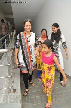 Jyothika Saravanan with Her Daughter Diya