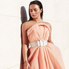 "1.2mn Beğenme, 6,853 Yorum - Instagram'da Demi Lovato (@ddlovato): ""You Don't Do It For Me Anymore #TellMeYouLoveMe  @spotify"""