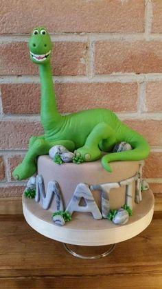 Bolo The Good Dinosaur Cake, Dino Cake, Dinosaur Birthday Cakes, 3rd Birthday Cakes, Birthday Ideas, Happy Birthday, Dragon Cakes, Fondant Animals, Animal Cakes