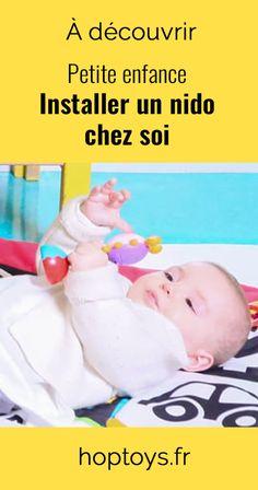En italien, nido signifie nid. Véritable cocon pour les tout-petits, le Nido, pensé par Maria Montessori, est un espace d'éveil adapté aux bébés de 3 mois jusqu'à la marche assurée (15-16 mois), voire plus. Cet espace de découverte permet à l'enfant de stimuler ses sens dans un environnement adapté et sécurisé. Disposé à même le sol, il comporte plusieurs éléments permettant à l'enfant de développer sa motricité, son éveil et son autonomie. Maria Montessori, Alternative, Thinking About You, Everything, Infancy, Nest, Walking, Italy