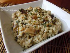 Orzo e funghi. Un primo piatto da portare a tavola. #primo #primopiatto #orzo #funghi #ricetta #recipe #italianfood #italianrecipe #PTTRicette