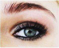 Easy Makeup : The Street Model Eyes Tutorial | AmazingMakeups.com