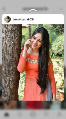 I'm a pagal and mantal Indian Attire, Indian Wear, Indian Outfits, Kurti Designs Party Wear, Salwar Designs, Indian Designer Outfits, Designer Dresses, Old Dresses, Girls Dresses