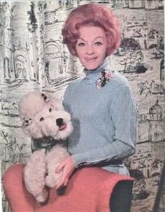 Herta Frankel y su perrita Marilyn Vintage Dolls, Retro Vintage, Animal Tv, Vienna State Opera, Nostalgia, Great Minds Think Alike, Daddy, Young Actors, Classic Tv