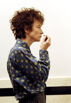 anissette:  Cate Blanchett as Bob Dylan.