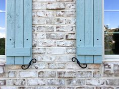 Achieving French provincial with brick, mortar and a little panache French Country Exterior, Modern Farmhouse Exterior, Country Farmhouse Decor, Country French, Farmhouse Plans, Country Style, Farmhouse Style, White Wash Brick Exterior, Exterior Paint