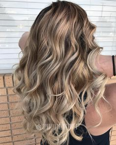 Snickerdoodle + white chocolate + buttery blonde balayage