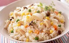 シーチキンの油も使った、旨味たっぷりな炊き込みご飯です。ピラフのような洋風な味付けです。 Fried Rice, Fries, Ethnic Recipes, Food, Essen, Meals, Nasi Goreng, Yemek, Stir Fry Rice