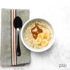 The Best Paleo Oatmeal Recipe - Learn how to make paleo oatmeal in just a few minutes, with 6 ingredients! This EASY paleo oatmeal recipe comes with 7 ideas for topping your paleo diet oatmeal, too. Paleo Diet Snacks, Paleo Food List, Paleo Diet Breakfast, Paleo Meal Prep, Paleo Diet Plan, Paleo Diet Rules, Diet Meals, Paleo Recipe Videos, Paleo Recipes Easy