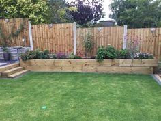 Raised Bed Garden Design, Backyard Garden Design, Backyard Fences, Backyard Landscaping, Backyard Ideas, Garden Ideas, Plants For Raised Beds, Raised Flower Beds, Fence Plants