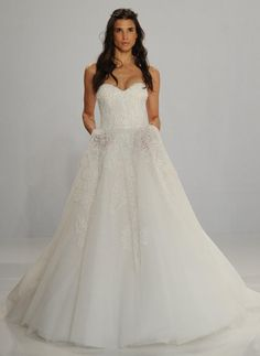 Os vestidos de noiva Tony Ward para Kleinfeld no NY Bridal Week | Casar.com