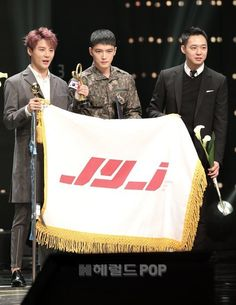 151029 JYJ ~ FIRST idol group to receive 'Prime Minister Citation' for their contribution to spread Korean Pop Culture (hallyu)-at the 2015 Korean Popular Culture and Arts Awards It's JYJ's first public group appearance since two members enlisted earlier this year