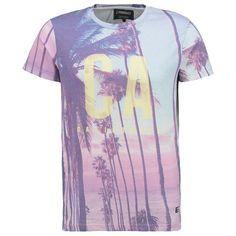 Dieses Shirt überzeugt dank des #Frontprints und erzeugt sofort #Urlaubsstimmung. ♥ ab 19,95€