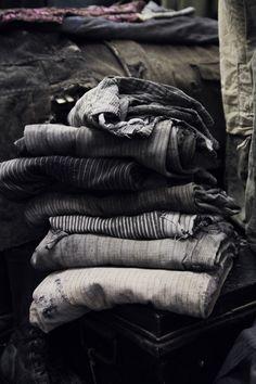 vintage colourways grey, black, indigo, violet