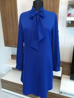Tunik Modest Fashion, Hijab Fashion, Fashion Outfits, Stylish Dress Designs, Stylish Dresses, Iranian Women Fashion, Latest African Fashion Dresses, Moda Emo, Dressy Outfits