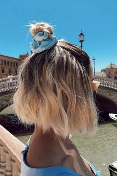 Cute Bob Hairstyles With Accessorized Top Knot ❤ Consider short bob hairstyles, if change is what you seek. It is always fun to try out something new, especially if it is extremely stylish and versatile. Layered Bob Hairstyles, Short Bob Haircuts, Cute Hairstyles For Short Hair, Summer Hairstyles, Easy Hairstyles, Pretty Hairstyles, 1940s Hairstyles, Prom Hairstyles, Short Hair Bun