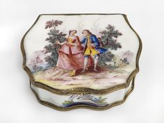 Enamel snuff boxes made in Birmingham and the West Midlands in the mid-18th century